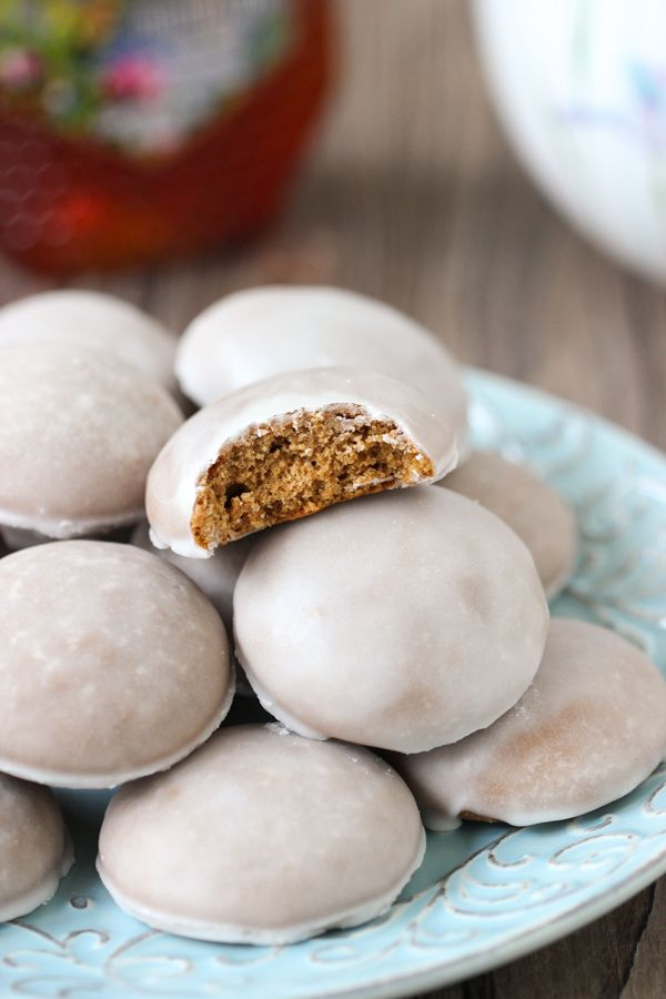 Pryaniki - Russian Honey Spice Cookies