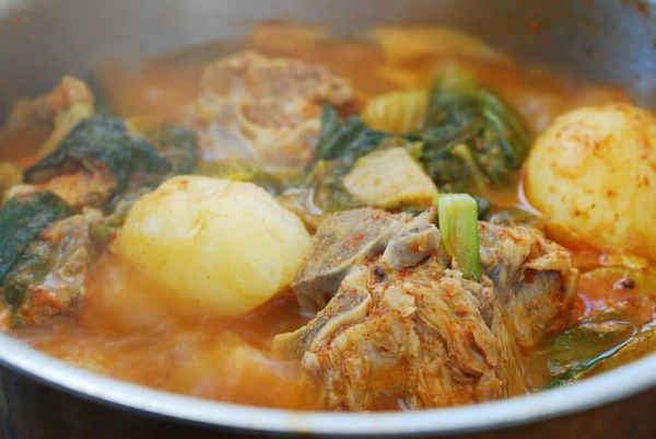Gamjatang (Spicy Pork Bone Stew