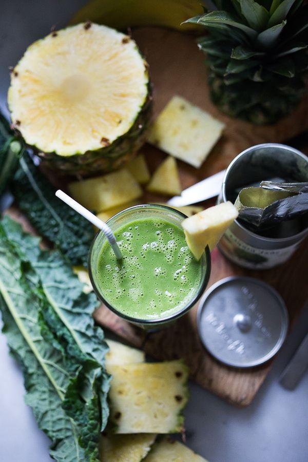 Matcha Green Tea and Pineapple Smoothie