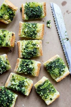 Vegan Garlic Bread with Kale Pesto
