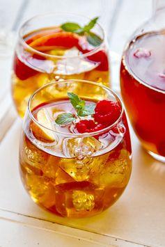 Sweet Tea Sangria (with fresh peaches & raspberries