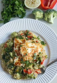 Warm quinoa salad with grilled halloumi and parsley dressing
