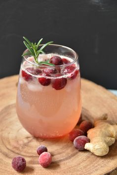 Cranberry ginger orange bourbon fizz: A Holiday cocktail