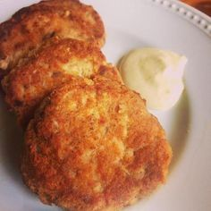 Low Carb Salmon Patties with Creamy Sauce