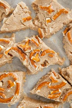 White Chocolate Pumpkin Pretzel Fudge